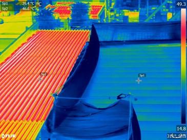 屋上に遮熱塗料を塗った後の赤外線写真