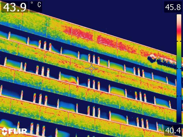 外壁タイルの剥離調査画像