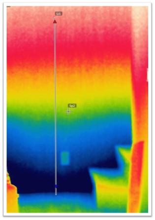 地下の壁温度の変化を写した赤外線写真
