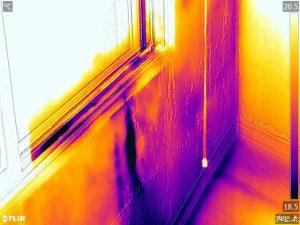 雨漏りの赤外線写真