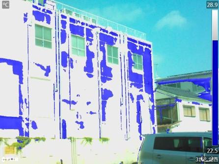 外壁の赤外線サーモグラフィ写真